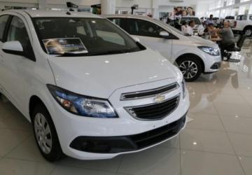 Venda de veículos fecha 2017 com alta de 9,23%