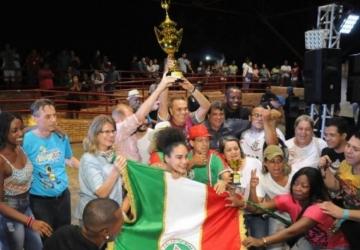 Escola de samba quebra hegemonia e vence o Carnaval
