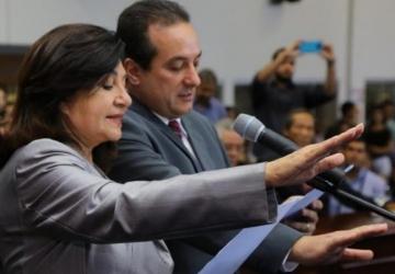 Juiz avalia pedido de cassação de Délia e vice
