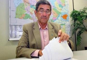 Ex-prefeito apresenta notas fiscais e diz que vai processar JBS