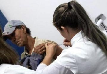 Para vacinar Itaquiraí faz propaganda na rua