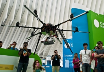Campus Party tem campeonato de corrida de drones