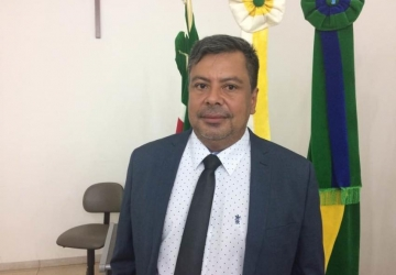Eurides Rodrigues pede mais arborização no perímetro urbano