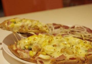 Pizzarias são autuadas por cobrar pizza de dois sabores pelo valor da mais cara