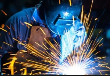 Indústria deve ter estagnação de empregos no próximo semestre