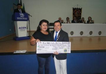 Lions Clube entrega R$ 100 mil para 17 entidades filantrópicas