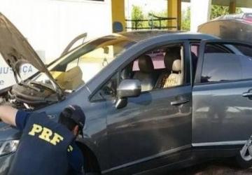 PRF flagra 51 quilos de cocaína em carro onde viajavam criança e adolescente