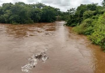 Nível do rio baixa 9 centímetros e Defesa Civil começa contar estragos