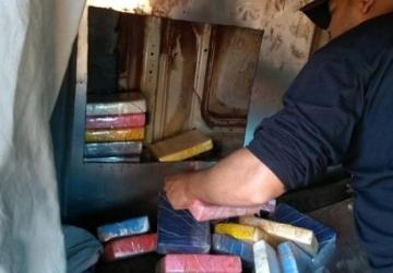 Homem é preso com carga de 261 quilos de cocaína
