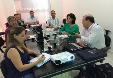 Saúde municipal consome 30% do orçamento e gera reclamações